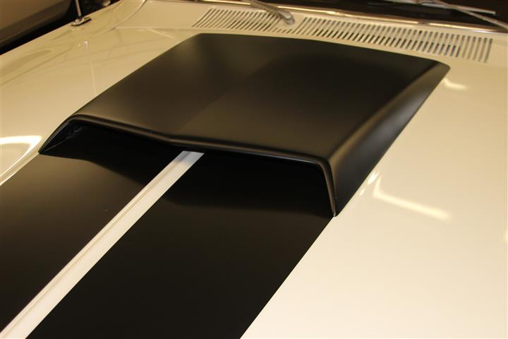 Photo of Hood Scoop Cut Out